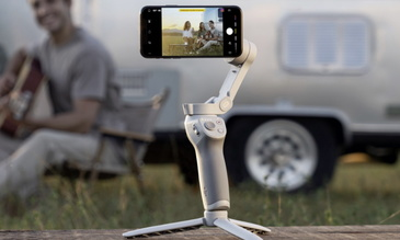 Dont Call the DJI OM 4 Phone Stabiliser a 'Selfie Stick'